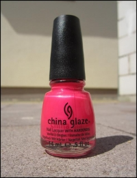 CHINA GLAZE - LOVE'S A BEACH