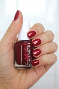 Essie - Thigh High 524