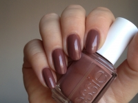 Essie - Over The Knee 521